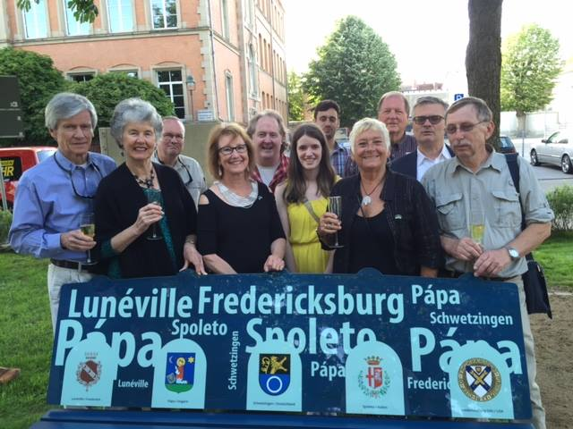 Fredericksburg Delegation at the dedication of Platz der Freundschaft
